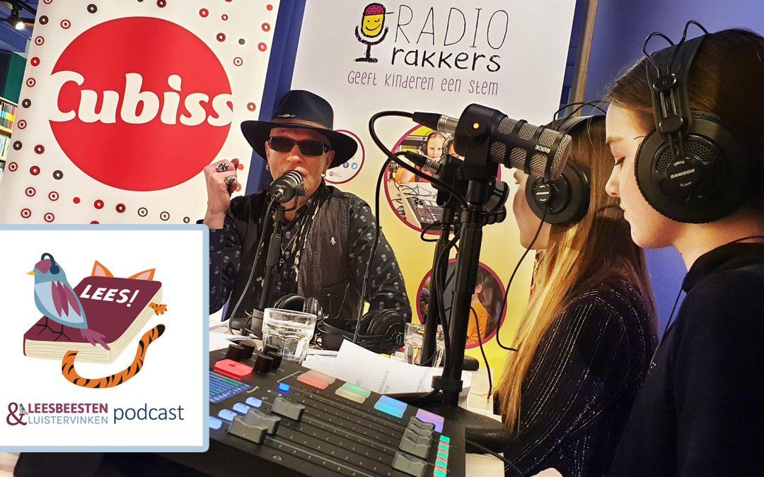 Nieuwe podcast: Kinderen en hun favoriete kinderboekenschrijver aan tafel.